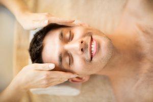 טיפול פנים לגב